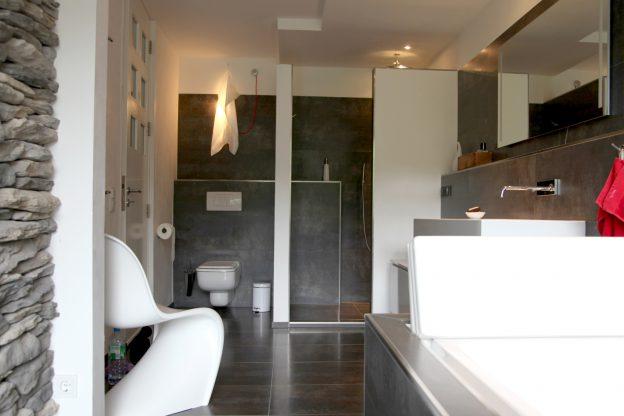 Privathaus/Sanierung/Badezimmer/Wohnräume